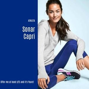 NWT Athleta Sonar Capri (S4)